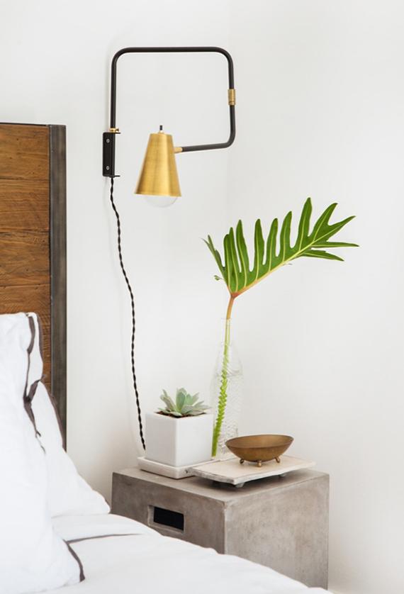 Fresh styled nightstand | Image by Tessa Neustadt via Apartment 34.