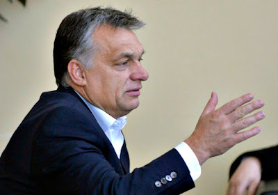 Orbán Viktor, Magyarország, migráció, interjú, Vlagyimir Putyin, Angela Merkel, Németország, Politico