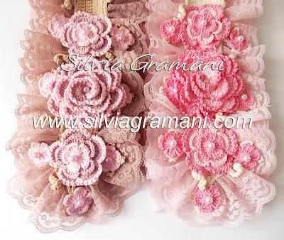 Cachecóis e Colar de Crochê com Flores