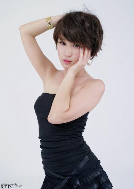 Hwang In Ji Lovely in Black Mini Dress