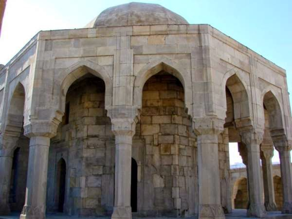 Azerbaijan tours - Divankhane in the Palace