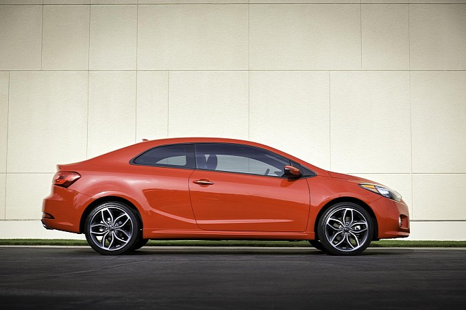 2014-kia-forte-koup-makes-surprise-debut-in-new-york-photo-gallery-medium_8.jpg