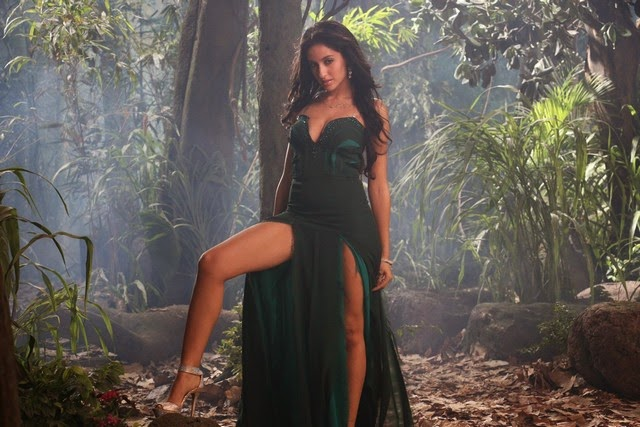 101051 nora fatehi new stills 02.jpg