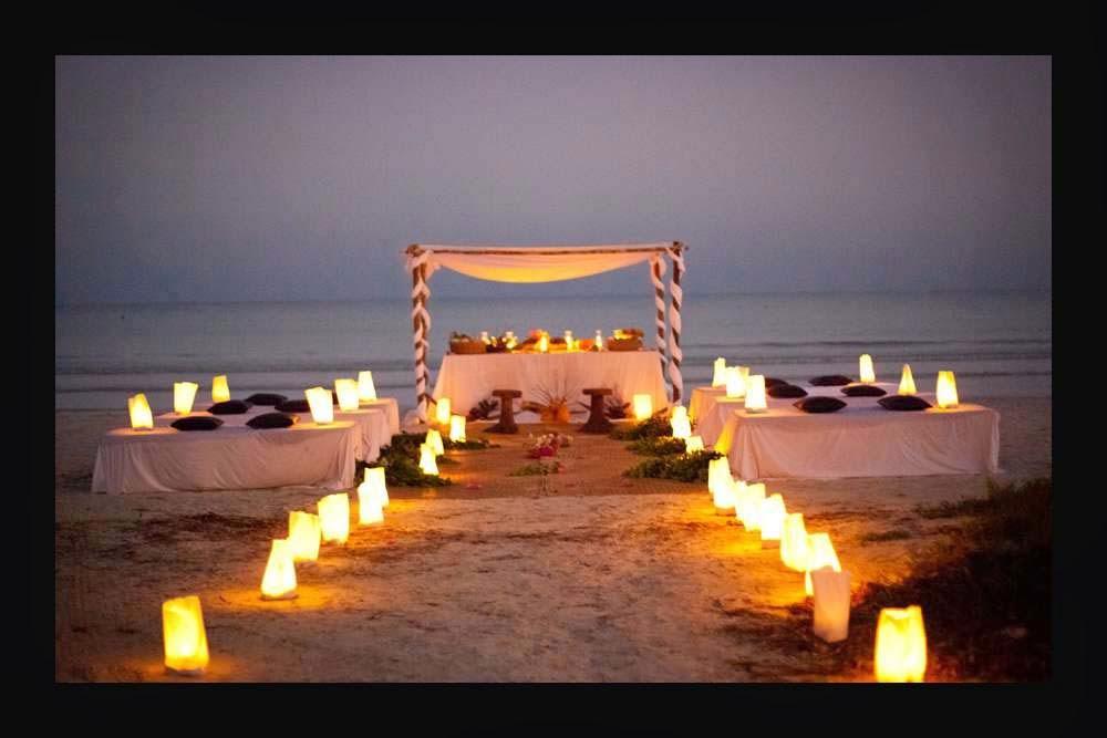 Altar con velas en playa