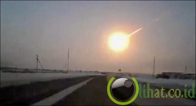 Melihat Meteor di Mobil