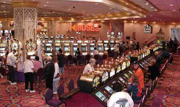 Casino gaming managers are responsible for co-ordinating the action on the gaming floor. This can include managing security operations, managing dealers, setting policies, resolving customer complaints, and ensuring that operations are running smoothly and profitably.