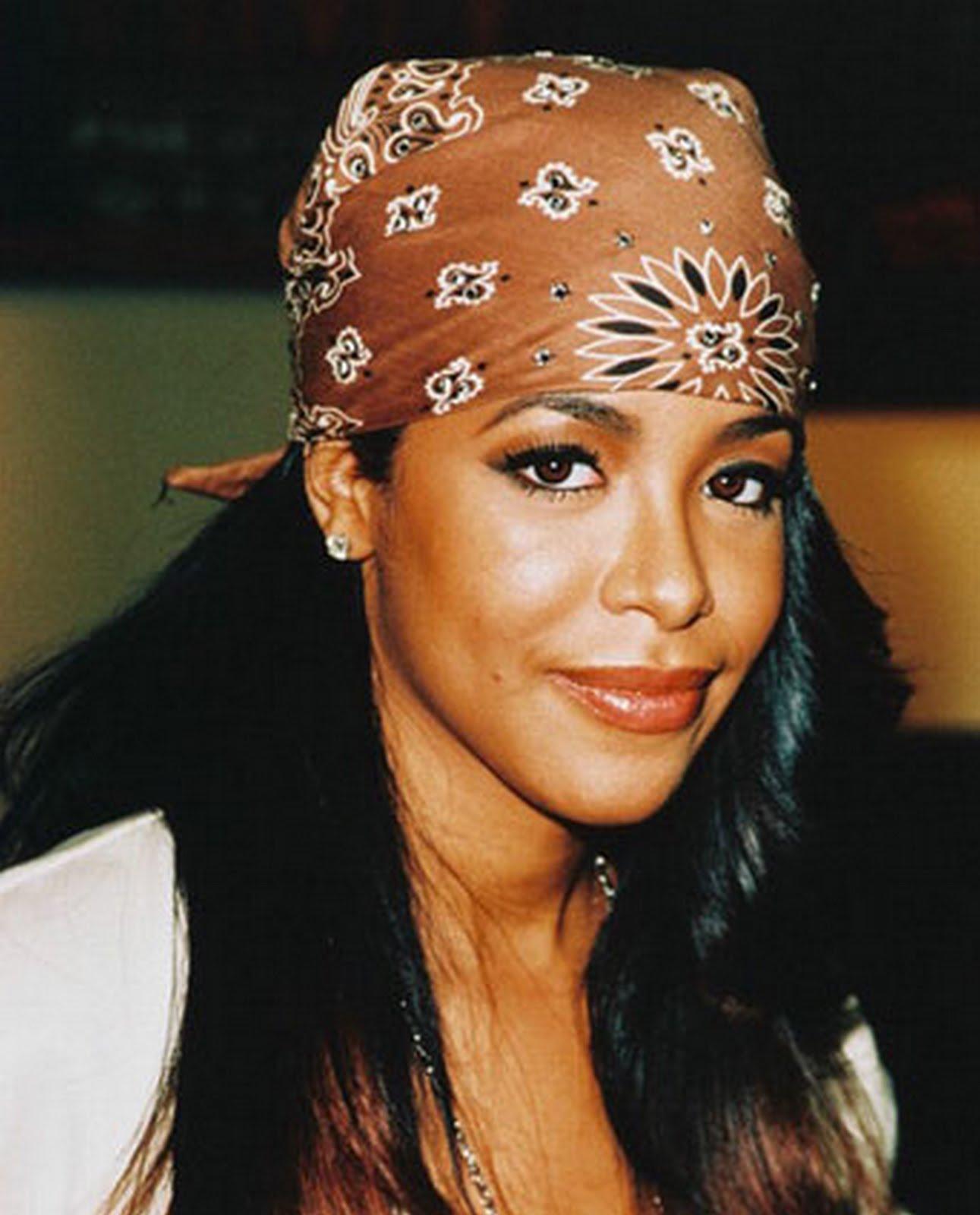 http://3.bp.blogspot.com/-U9qetZ2y-28/TkyPu7AtMAI/AAAAAAAAHjs/GcTBoMsJv7Q/s1600/Aaliyah-4-18-08.jpg