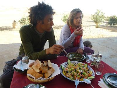 viajes a marruecos, erg chebi, merzouga, nomadas, desierto