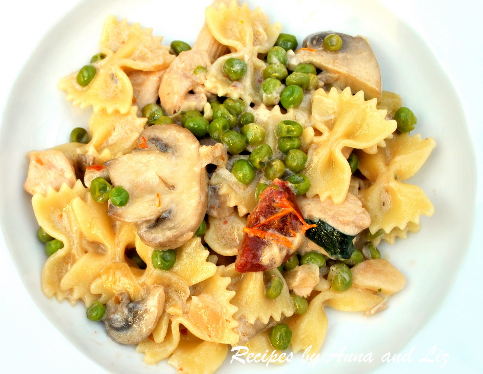 ... and Liz: Pasta with Chicken, Peas, Mushrooms and Sun Dried Tomatoes