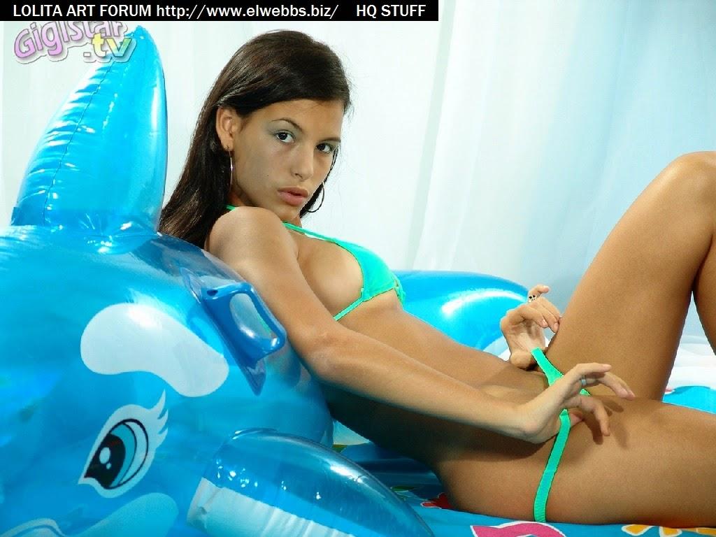 elwebbs.biz art-forum imagesize:1024x768 $) 04
