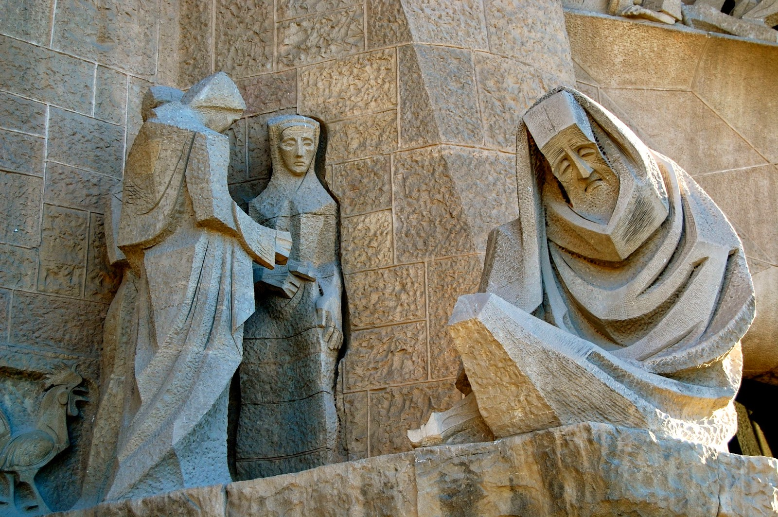 Carvings of Peter's denial on Passion Facade