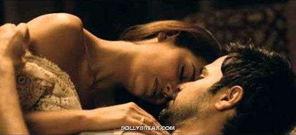 Esha Gupta and Emraan Hashmi Kissing in Jannat 2 - (3) - Bollywood Movies Kisses in 2012