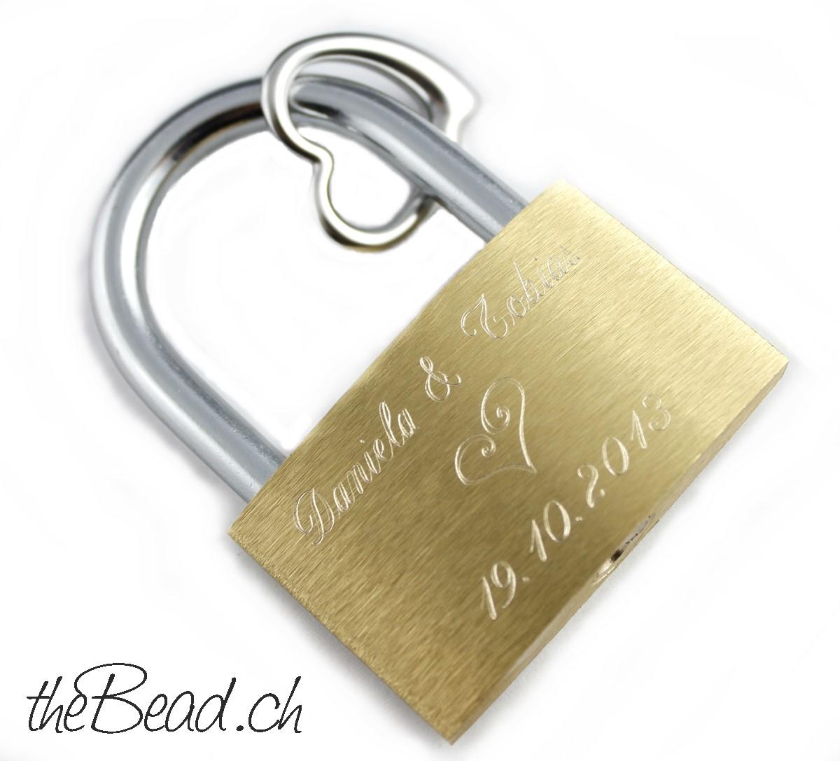 Liebesschloss mit Gravur in schweizer Liebesschloss Onlineshop