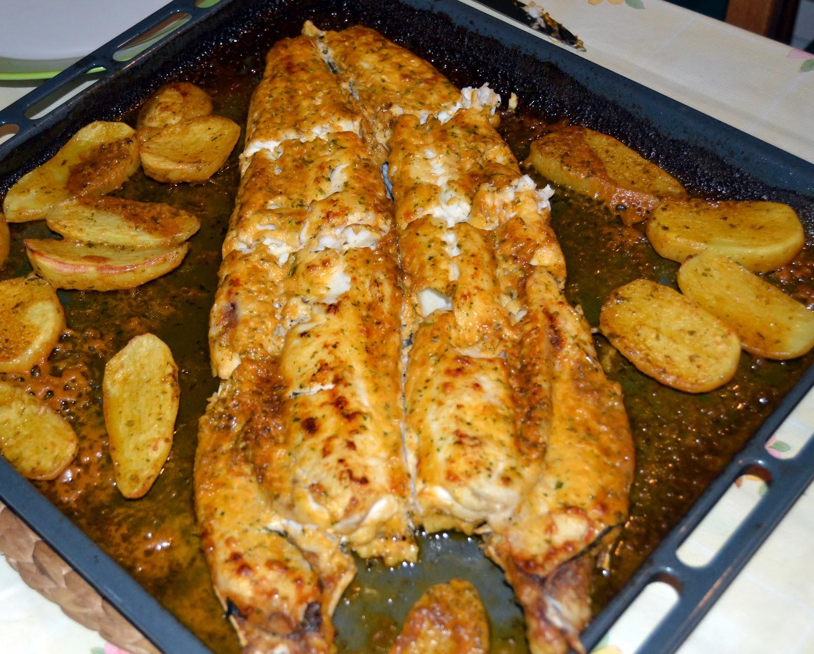 Saborea tu cocina merluza al horno con patatas for Merluza al horno facil