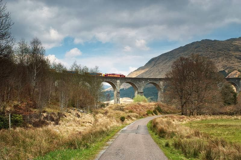 Glenfinnan Viaduct | The Railway Viaduct of West Highland Line in Scotland