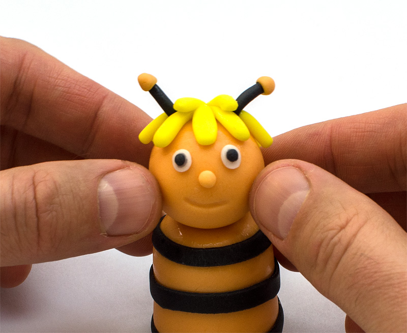 Bee Maya fondant figure head on body