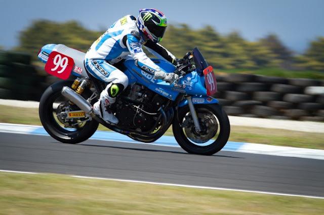 KATANA Suzuki  - Page 4 Suzuki_katana_race-1-690x4591_zps558749db
