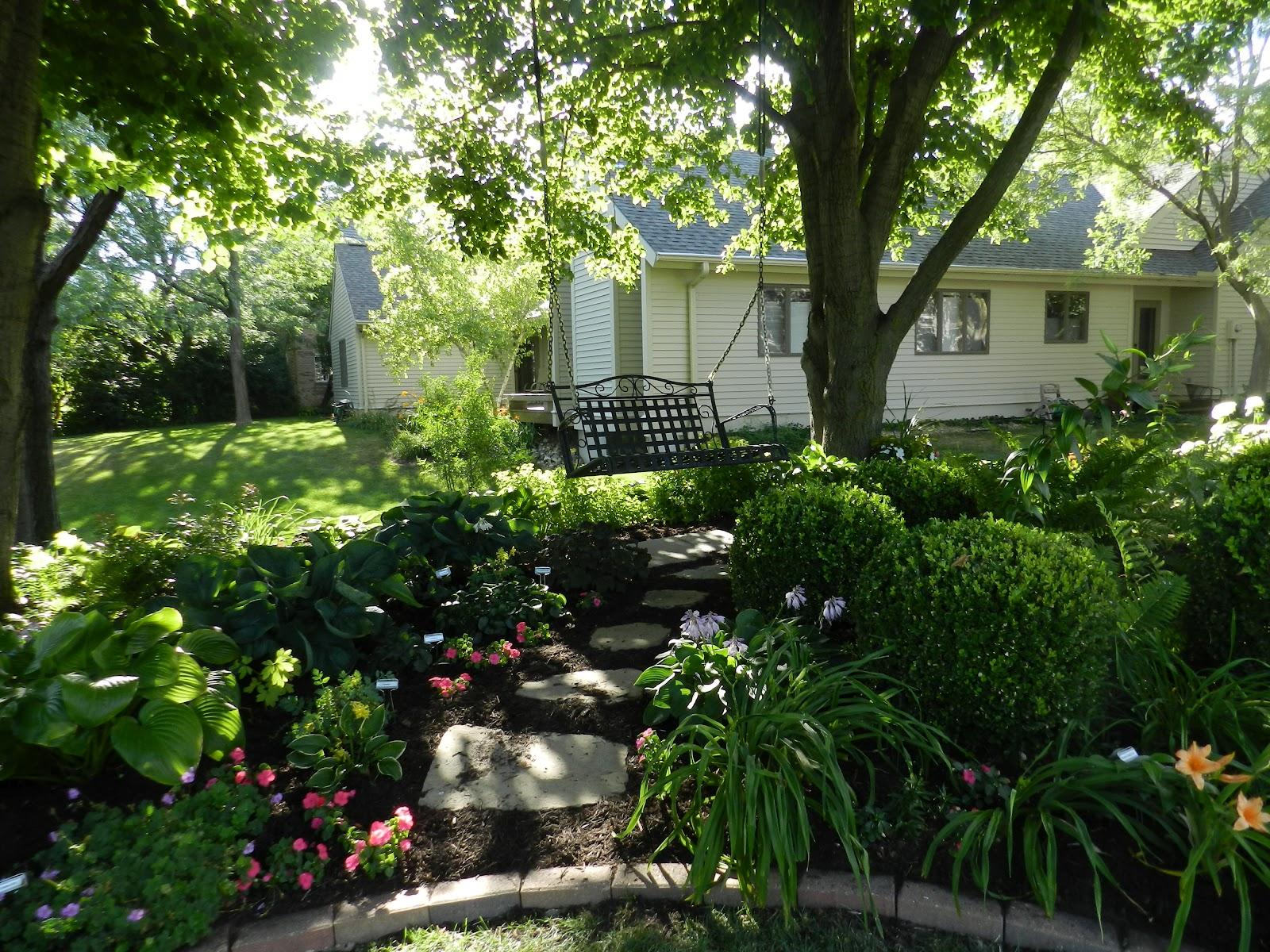 Prairie Rose's Garden: Summer Garden Walks