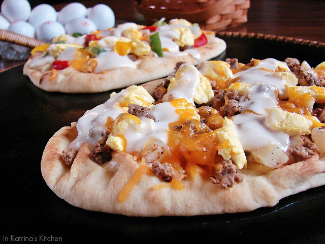 Breakfast Pizza Recipe from @KatrinasKitchen