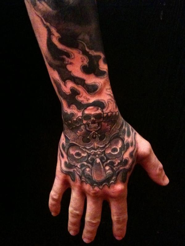 Kat von d 39 s blog no pain no gain hand tattoo for justin for Do hand tattoos hurt