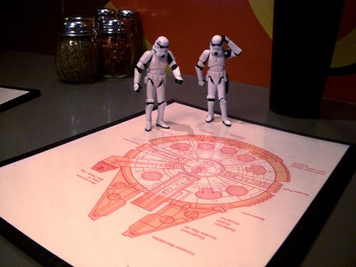 09-Millennium-Pizza-Stormtroopers-Clock-JD-Hancock-George-Lucas-Star-Wars-www-designstack-co