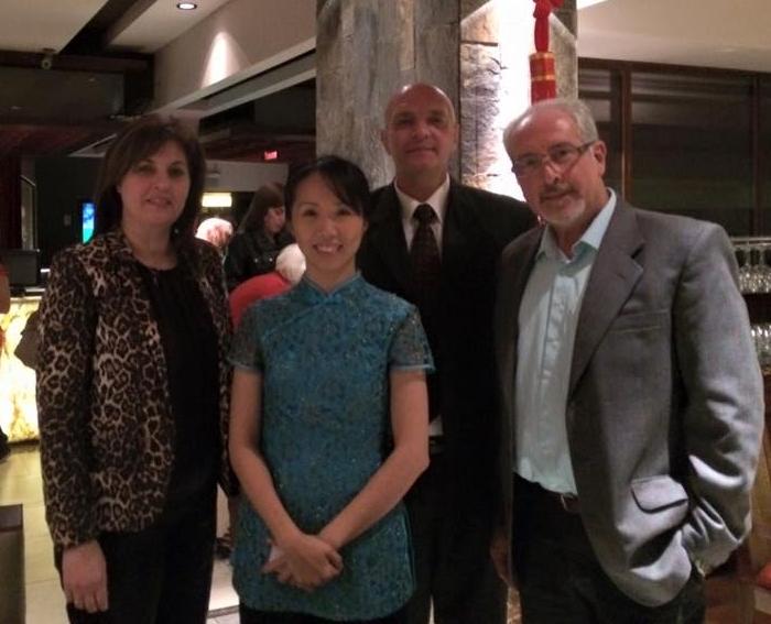 Junto a la Profesora de la Fundación de la Cultura China, ZHONG SHUNMEI.