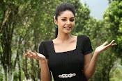 Sanam Shetty Glamorous Photos-thumbnail-2