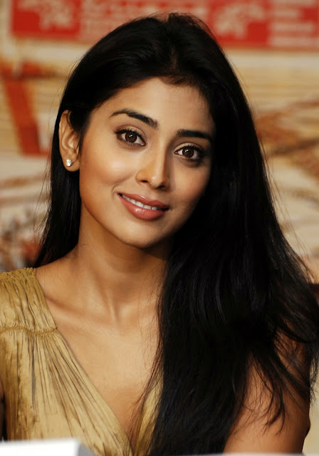 wh16kbpi0yi4uggvpkw Actress Shriya Saran Photo Gallery
