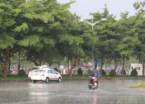 Dự báo thời tiết hôm nay ngày 21/12/2015: Nam Trung Bộ đối mặt mưa lớn