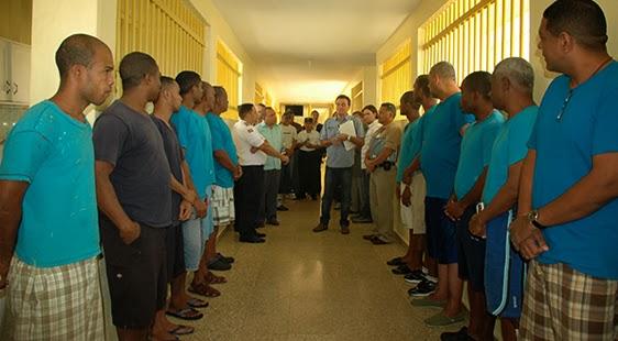 Alfabetizan privados de libertad carcelarios de Azua