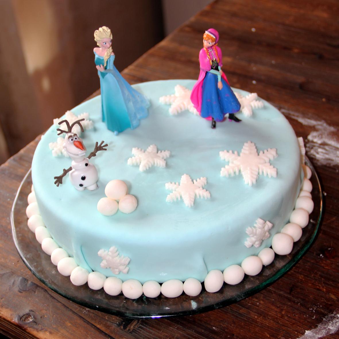 R cr ations de lili anniversaire reine des neiges - Decoration gateau la reine des neiges ...