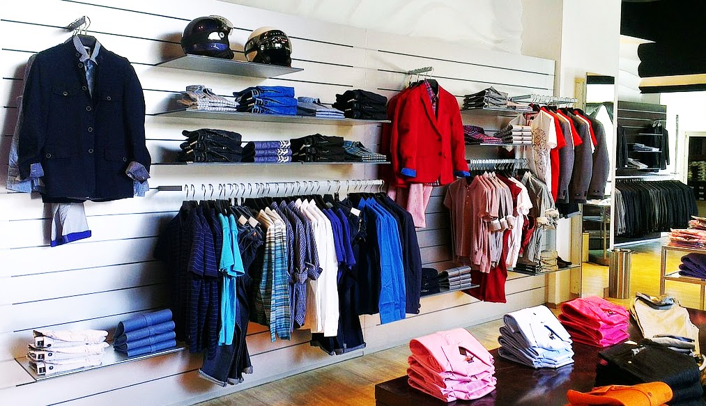 Working with overstock and closeout designer clothing and merchandise Wholesale Designer ...