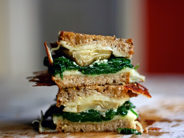 Cheese Lover's Fontina and Mozzarella Grilled Cheese Sandwich