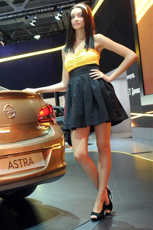Girls of the 2012 Moscow Motor Show - AutoTribute