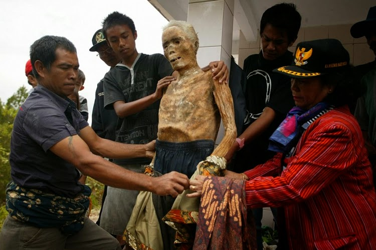 Mau Lihat MAYAT BERJALAN Sungguhan ?, Ayo ke Toraja
