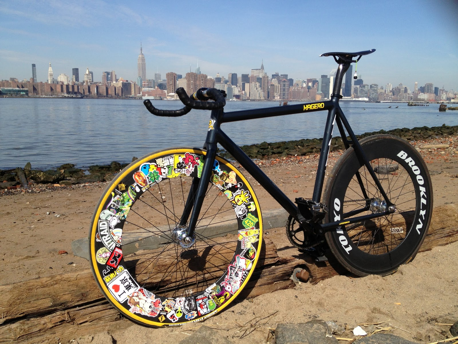 the fixed gear world  kagero 2013 by tobias lewis