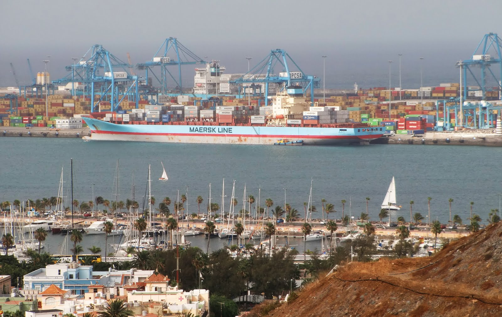 Efectivos de la Marina Armada de México ocuparon más de 220 kilogramos de cocaína en el reciento portuario de Manzanillo, en el estado de Colima, al oeste de aquí, trascendió hoy.