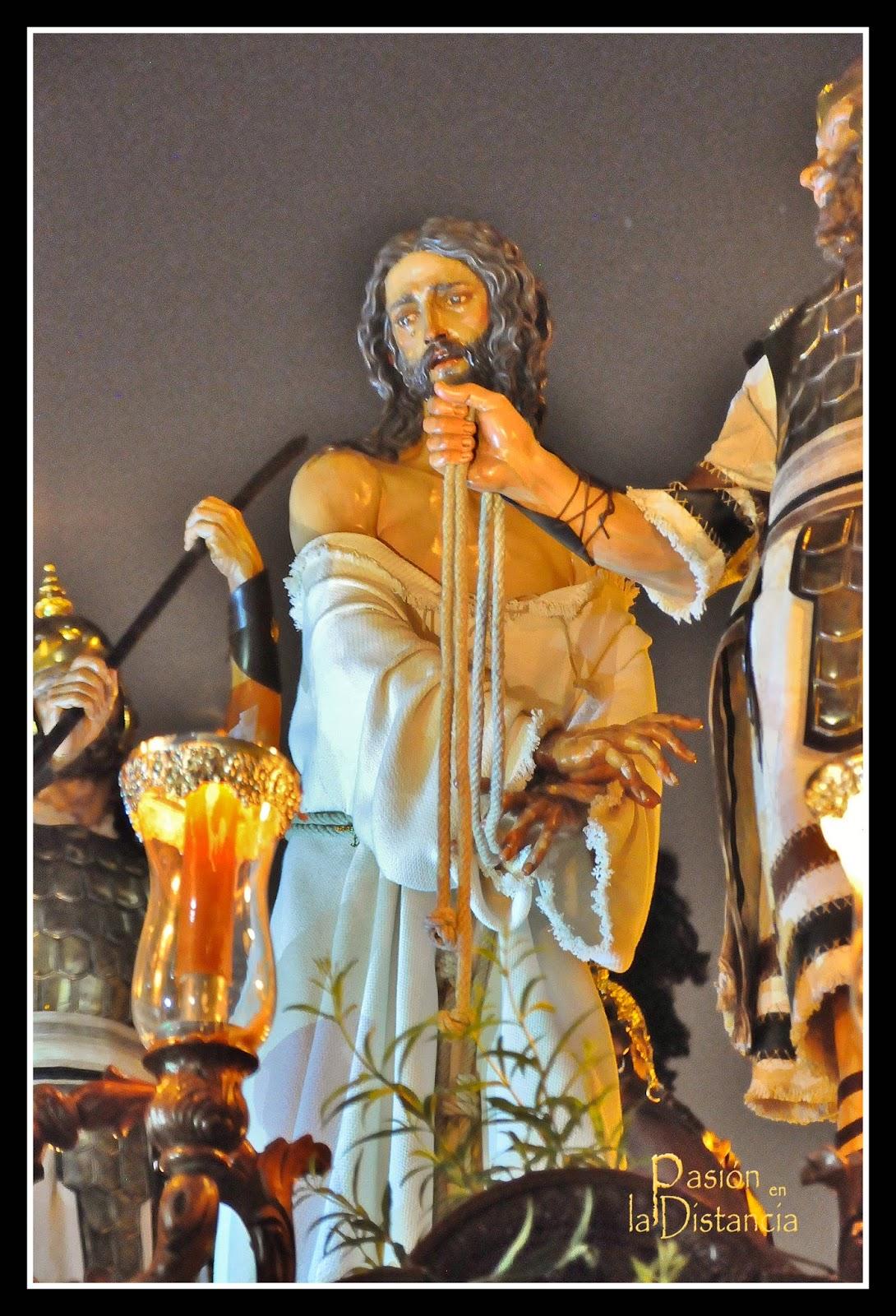 Jesús de la Esperanza en el Puente Cedrón y Virgen de la Milagrosa en la Estación de Penitencia de Sábado de Pasión 2014 Sevilla Semana Santa