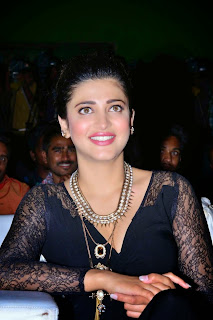 Actress Shruthi Han Picture Gallery in Black Long Dress at Race Gurram Success Meet  20
