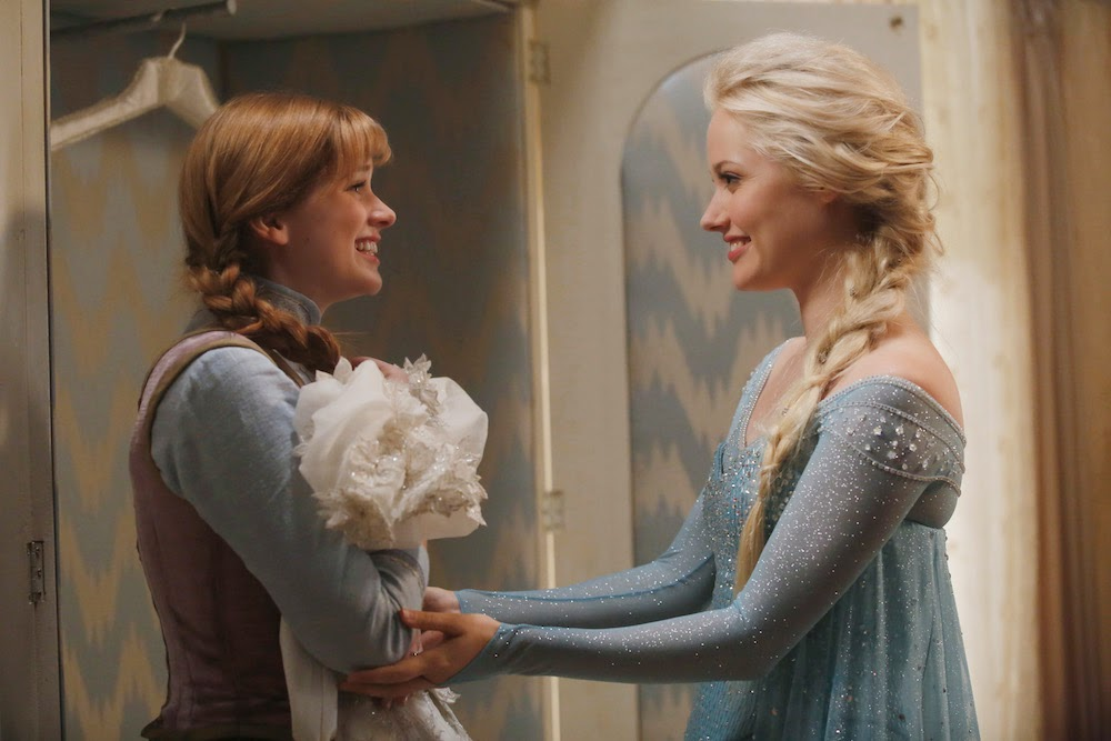 Once Upon a Time - Episode 4.01 - A Tale of Two Sisters - Second Promotional Photo of Anna and Elsa