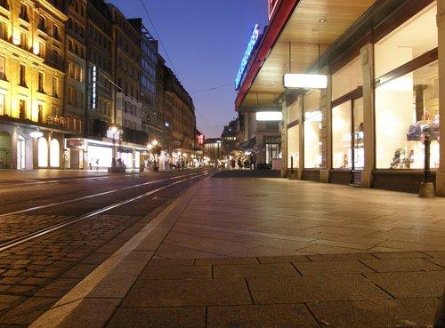 تسوق في سويسرا مع اروع شوارع التسوق بجنيف 4.jpg