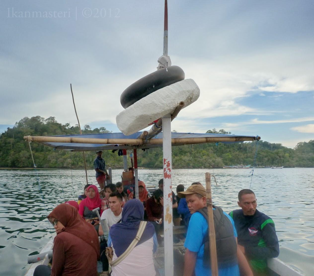 Lajulah laju perahuku dari pulau Sempu