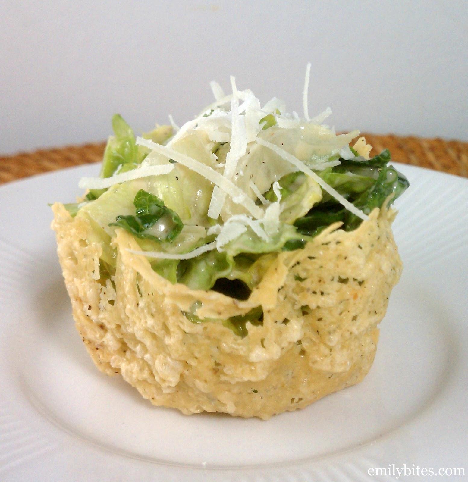 Фото подача салата цезарь