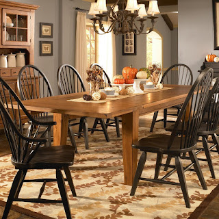 Baer's Attic Heirlooms Dining Table Broyhill