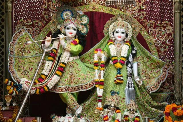 Full View Sri Sri Radha Vrindavana Chandra [Sri Krishna and Srimati Radha Rani]