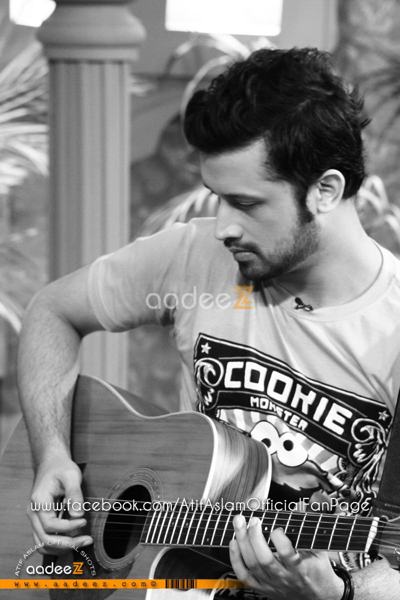 Atif Aslam & Mahira Khan at Utho Jago Pakistan (Pictures)