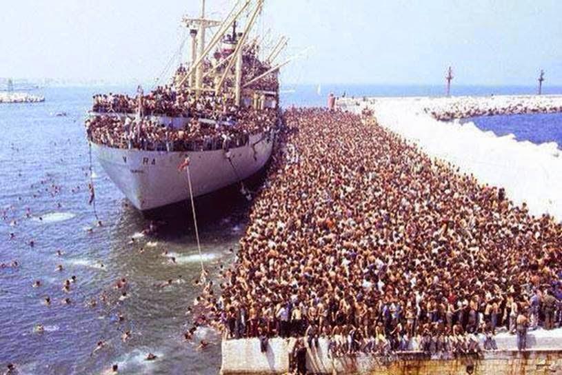 http://3.bp.blogspot.com/-UDnc8yIWiFU/VVG7DxhPI3I/AAAAAAAAOf0/aAWD0JFNhDo/s1600/Refugees%2BRL.jpg