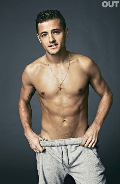 Behind-the-scenes Attitude Cover Shoot, Robbie Rogers