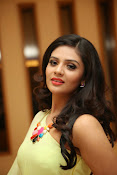 Sri mukhi Latest glam pics-thumbnail-3