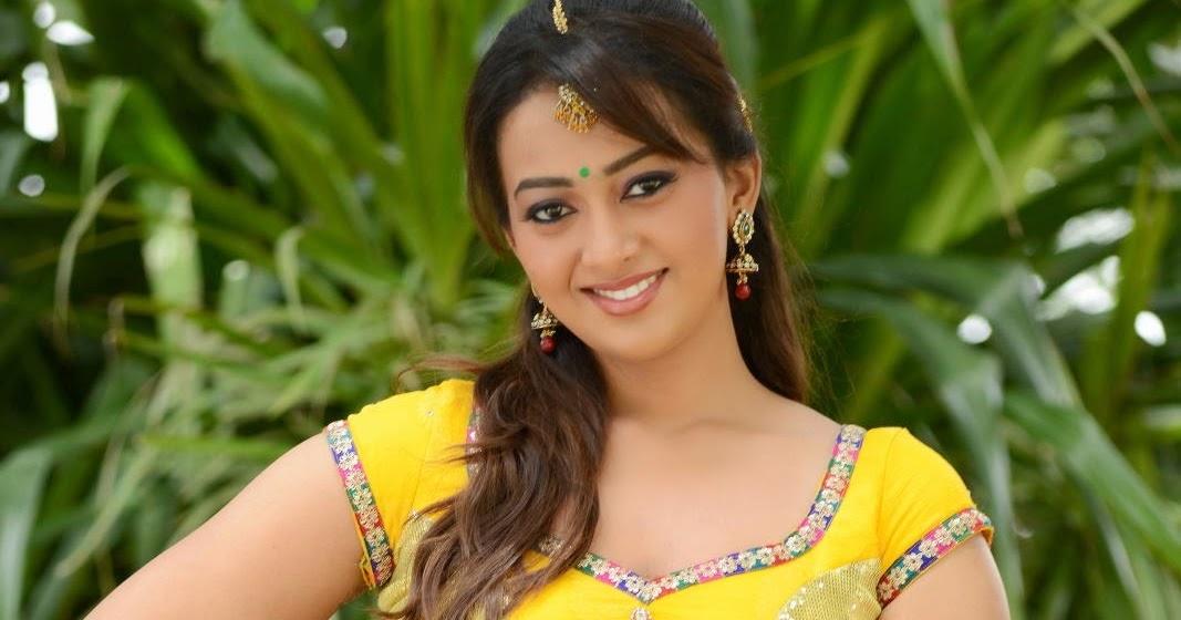 Ester Noronha Latest Hot Photos Gallery - HD Latest Tamil Actress ...